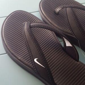 Nike Shoes - NEW Black NIKE Flip Flops - Size 6